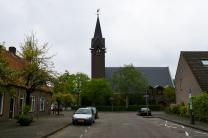 De Julianakerk vanuit de Streefkerkstraat